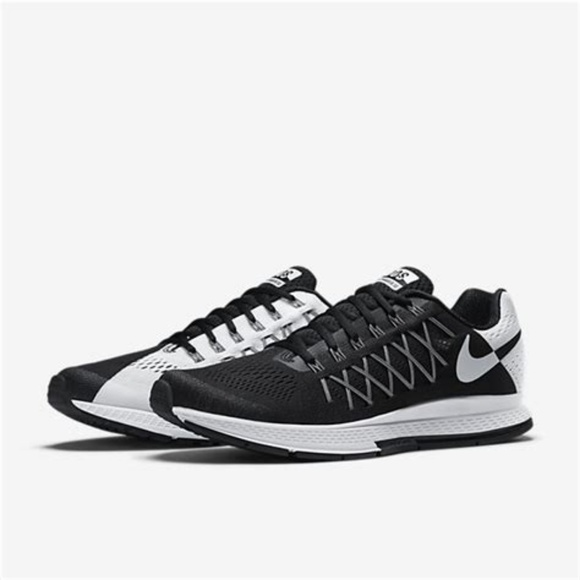 huge discount 27483 b936f EUC Men s Nike Dos Zoom Pegasus 32 Running Shoes. M 5b23d865035cf1470e2286d6